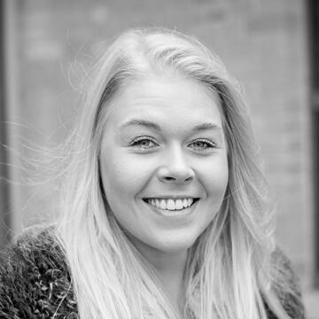 Hier würden Sie ein Foto der HOMEDAY HR-Managerin Sophie Angenendt sehen.