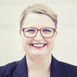 Hier würden Sie ein Bild von unserer Leiterin der Kundenberatung, Annika Fietz sehen.