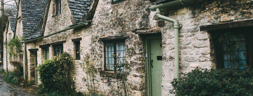 Hier würden Sie ein Bild von alten Gebäuden sehen.