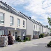 Hier würden Sie das Bild einer Neubausiedlung im Rahmen der Entwicklung der Immobilienpreise Deutschland sehen.